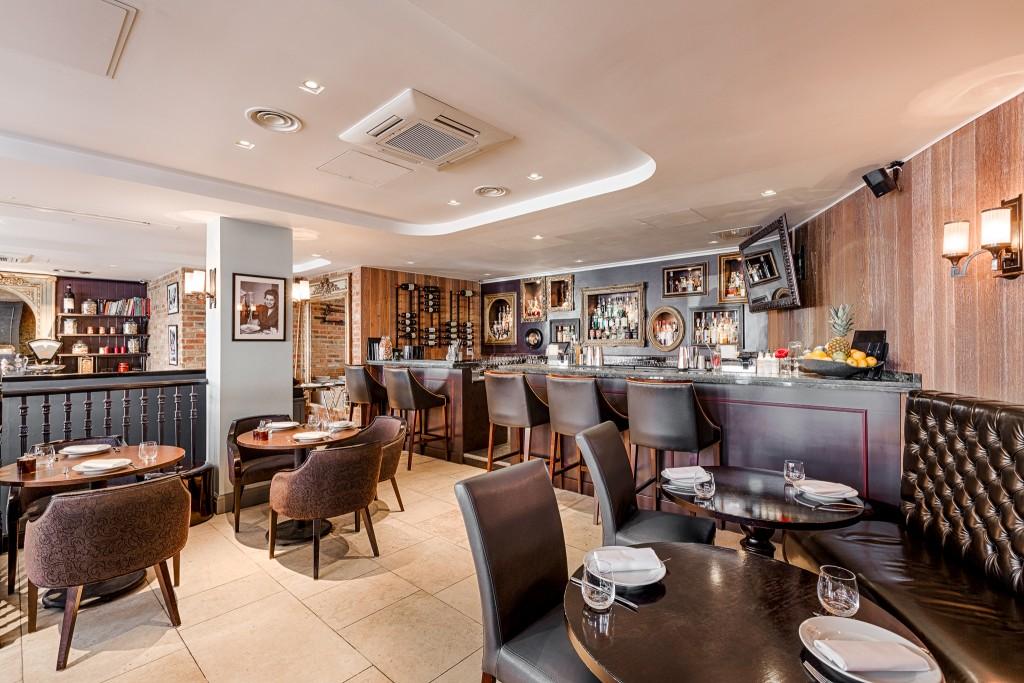 PS1156_Il_Baretto_dining_room1